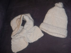 White alpaca hat and scarf set